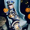 Madonna anticipating Halloween. Photo by Ricardo Gomes.
