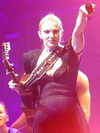 Drowned World Tour diary - Madonna tour updates show details