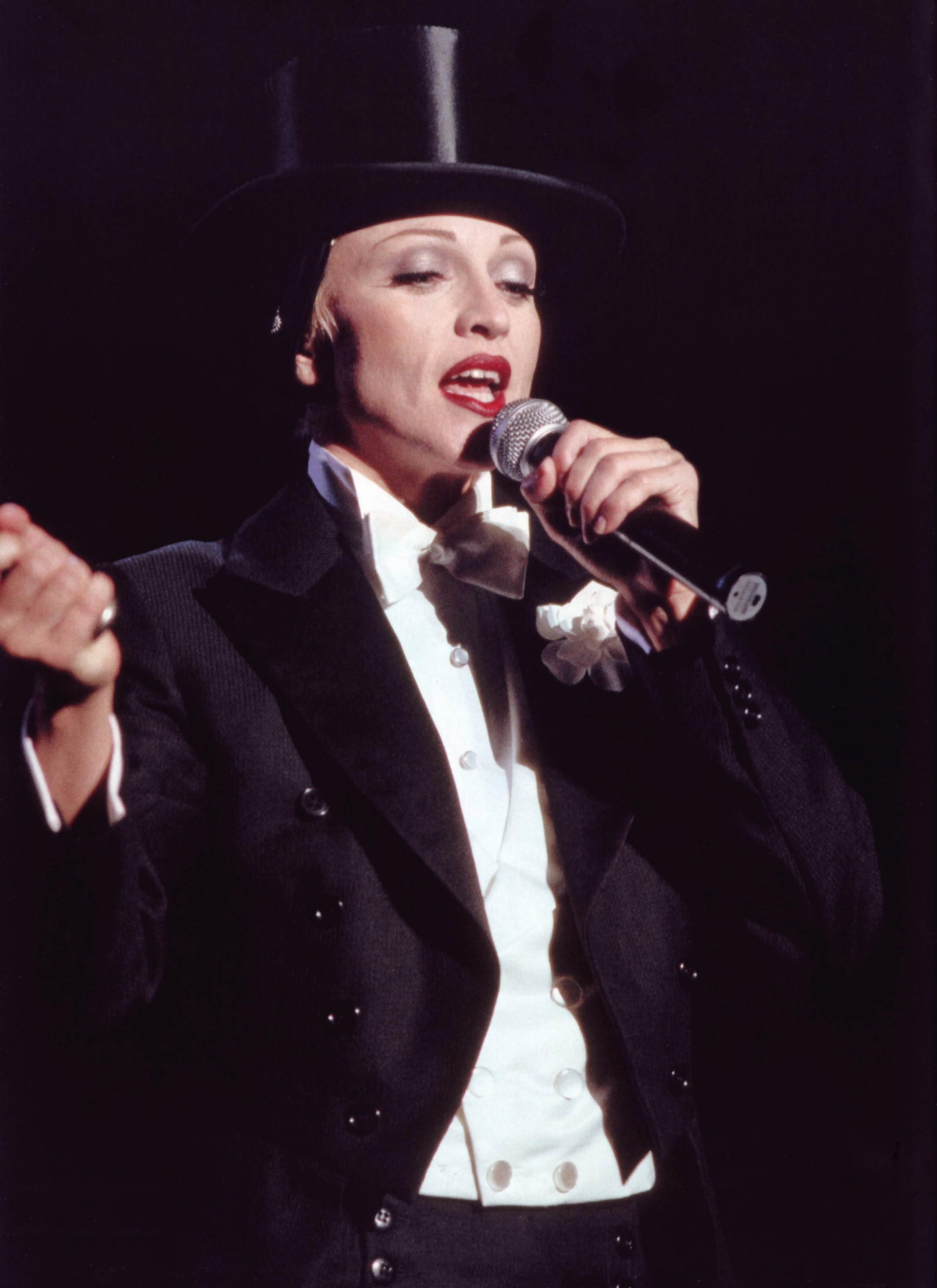 Madonna erotica 1993 - 4 2