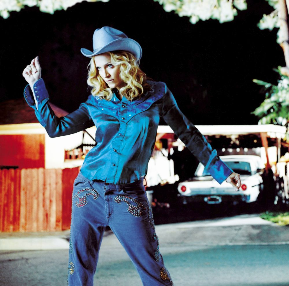 Career 2000 - Madonna pictures & biography Music | Mad-Eyes